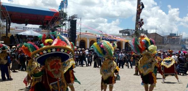 palo-volador-guatemala-danzas-tradicionales-wichovalla